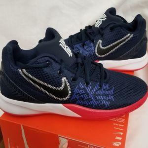 Nike Kyrie Flytrap II Youth 6